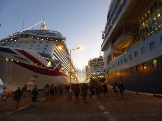 St_Maarten-Philipsburg-Pier-Kreuzfahrtschiffe-5