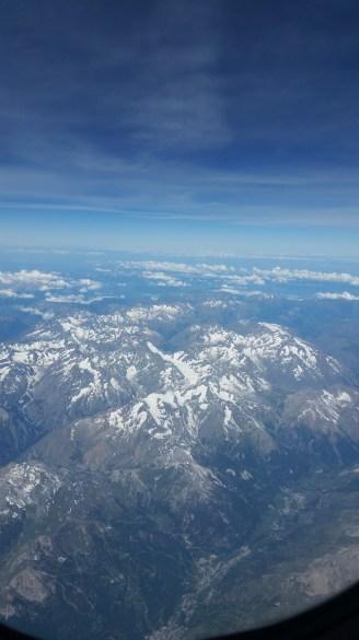 Flugzeug-Ausblick-Berge-Schnee-2