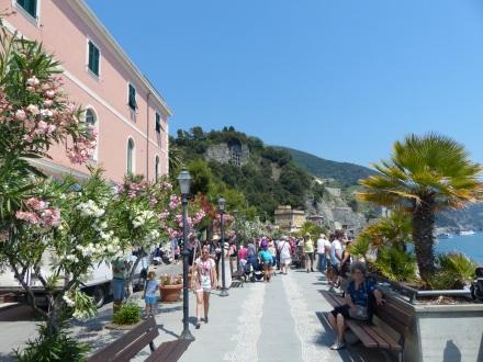 Italien-Cinque_Terre-Monterosso-Promenade-1