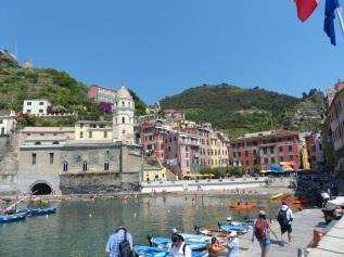 Italien-Cinque_Terre-Vernazza-Hafen-1