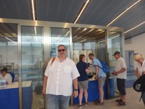 Im Hafenterminal Ticket-Schalter