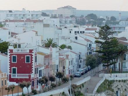 Menorca-Mahon-Altstadt-weisse_Haeuser-1