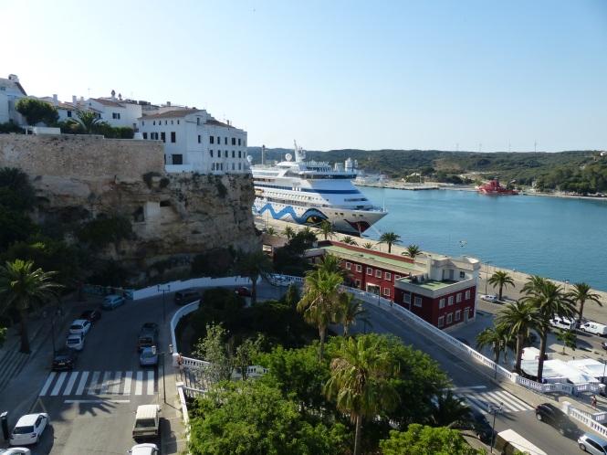 Menorca-Mahon-Hafen-Ausblick-AIDAaura-3