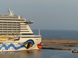 Palma_de_Mallorca-Hafen-AIDAperla-3