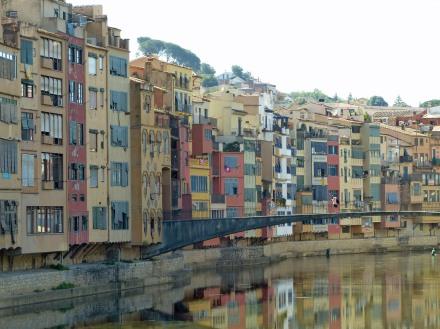 Spanien-Girona-Onyar-Haeuser-3