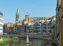 Spanien-Girona-Onyar-Haeuser-Basilica_de_Sant_Feliu-1