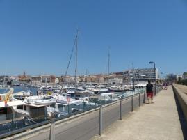 Spanien-Palamos-Hafen-Weg_zur_Stadt-1