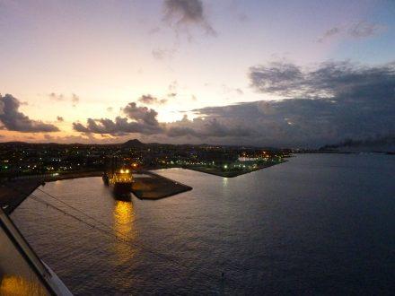 Aruba-Oranjestad-Hafen-Morgendaemmerung-2