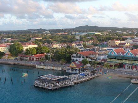 Bonaire-Kralendijk-Hafen-1