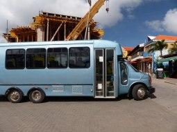 Bonaire-Kralendijk-Inselrundfahrt-Bus-1