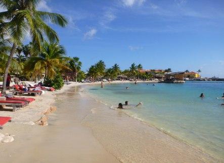 Curacao-Mamboo_Beach-14