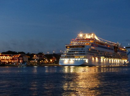Curacao-Willemstad-AIDA_luna-Nacht-1