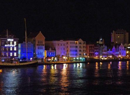 Curacao-Willemstad-Hafen-Nacht-Beleuchtung-3