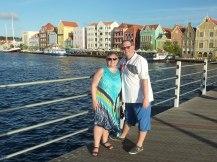 Curacao-Willemstad-Koenigin_Emma_Bruecke-Giebelhaeuser-wir-3