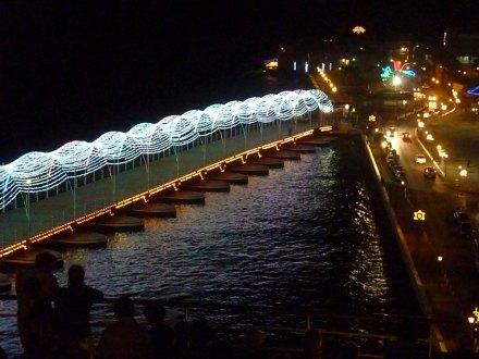Curacao-Willemstad-Koenigin_Emma_Bruecke-Nacht-6