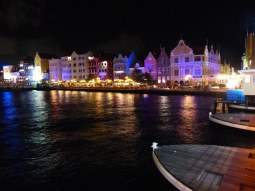 Curacao-Willemstad-Promenade-Nacht-2