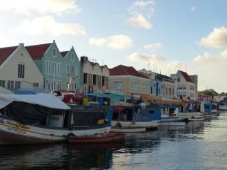 Curacao-Willemstad-Schwimmender_Markt-1