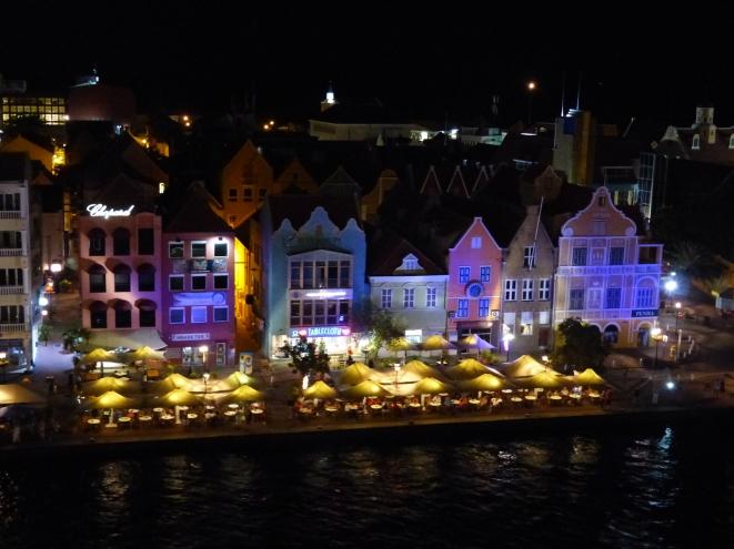 Curacao-Willemstad-Skyline-Nacht-5
