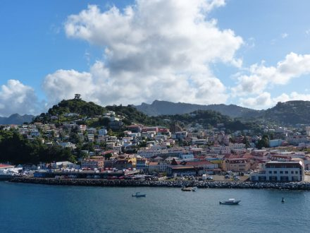 Grenada-St_Georges-Panorama-Stadt-1