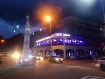 Mahé - Uhrenturm in Port Victoria bei Nacht