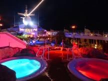 AIDA-Pooldeck-Poolparty-Nacht-1