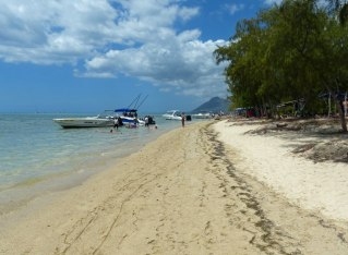 Mauritius-Ile_aux_Benitiers-Strand-4