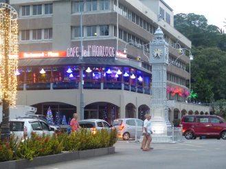 Seychellen-Mahe-Port_Victoria-Uhrenturm-Abend-1