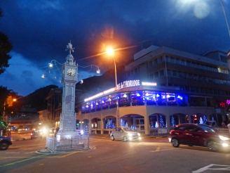 Seychellen-Mahe-Port_Victoria-Uhrenturm-Nacht-1