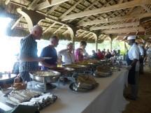 Seychellen-Mahe-Strand_Takamaka-Restaurant-Buffet-1