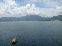 Seychellen-Mahe-Tenderboot-1