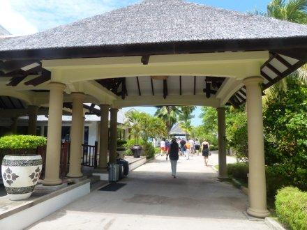 Seychellen-Praslin-Hotel_Le_Domaine_de_la_Reserve-Mittagessen-4