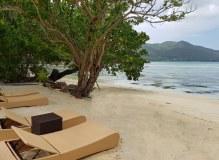Seychellen-Praslin-Hotel_Le_Domaine_de_la_Reserve-Strand-1