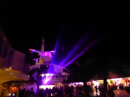 AIDA-Poolparty-Lasershow-1