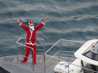 La_Reunion-Le_Port-Hafen-Abschied-Weihnachtsmann-2
