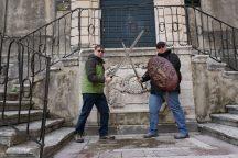 Dubrovnik-Altstadt-Game_of_Thrones_Tour-Schwertkampf-wir-1