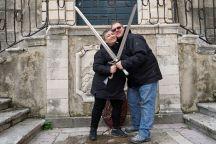 Dubrovnik-Altstadt-Game_of_Thrones_Tour-Schwertkampf-wir-3