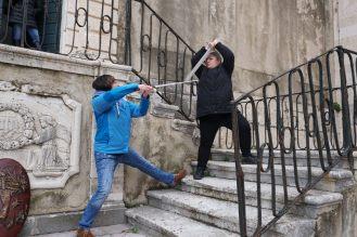 Dubrovnik-Altstadt-Game_of_Thrones_Tour-Schwertkampf-wir-8