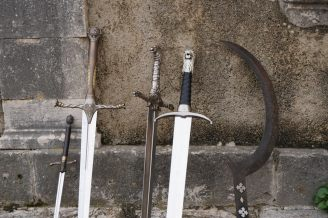 Dubrovnik-Altstadt-Game_of_Thrones_Tour-Schwertkampf-wir-9