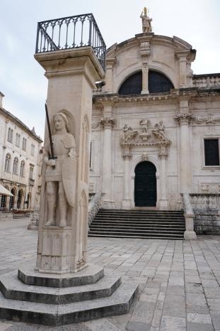Dubrovnik-Altstadt-Rolandsaeule-St_Blasius_Kirche-1