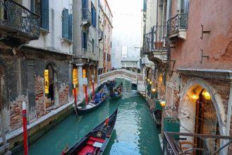 Venedig-Kanal-Gondel-1