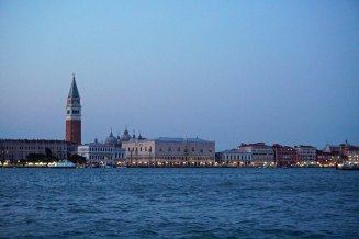 Venedig-Skyline-Markusplatz-Abenddaemmerung-2