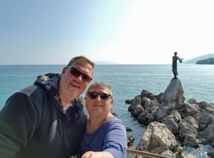 Kroatien-Opatija-Maedchen_mit_der_Moewe_Statue-wir-3