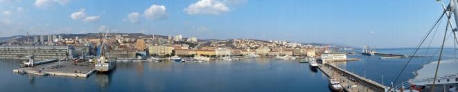 Kroatien-Rijeka-Hafen-Pier-Panorama-4