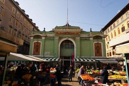 Kroatien-Rijeka-Markthallen-1