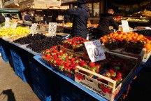 Kroatien-Rijeka-Markthallen-Obst-2