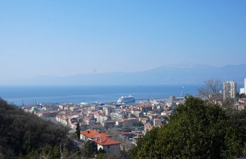 Kroatien-Rijeka-Trsat-Ausblick_auf_AIDA-1