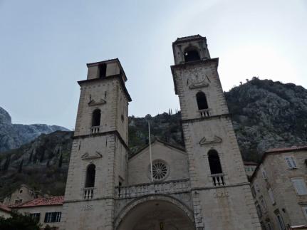 Montenegro-Kotor-Altstadt-Kirche-1