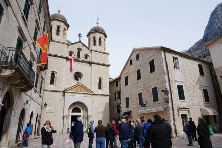 Montenegro-Kotor-Altstadt-Kirche-4