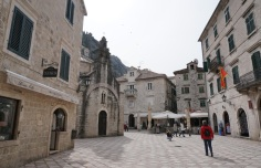 Montenegro-Kotor-Altstadt-Marktplatz-1
