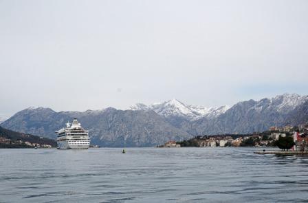 Montenegro-Kotor-Fjord-AIDA_aura-2